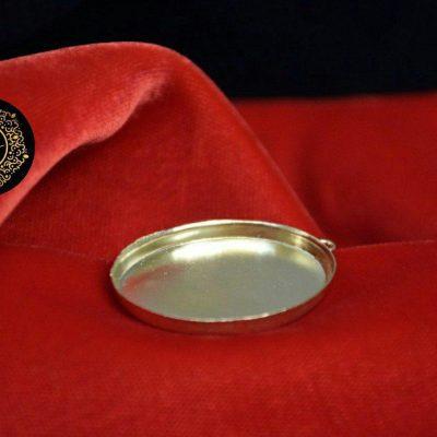 مدال برنجی بیضی