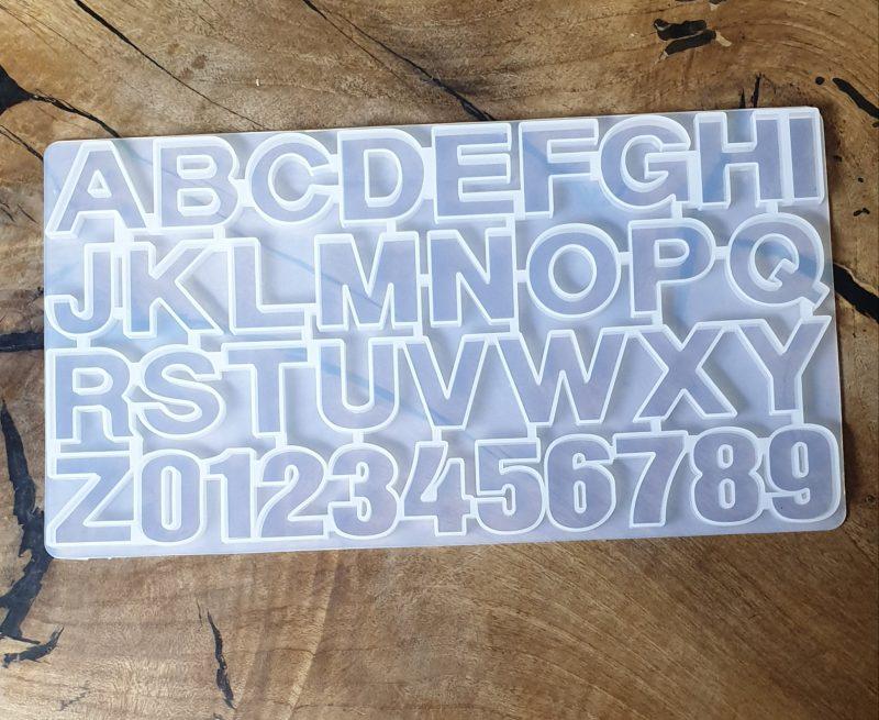 قالب سیلیکونی حروف انگلیسی و اعداد . در سایز ۳۶×۲۰ سانت